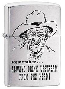 Широкая зажигалка Zippo Remember 28443 - фото 5924