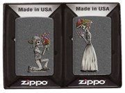 Набор из двух зажигалок ZIPPO 28987 Влюбленные зомби с покрытием Iron Stone