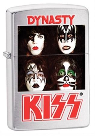Широкая зажигалка Zippo Kiss 28019 - фото 4626