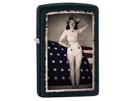 Широкая зажигалка Zippo Flag & Woman 28533 - фото 4726