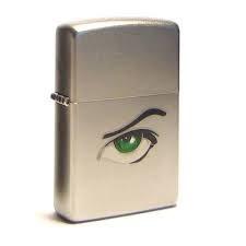 Широкая зажигалка Zippo Green eyes 205 - фото 5249