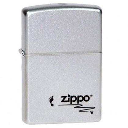 Широкая зажигалка Zippo Footprints 205 - фото 6388