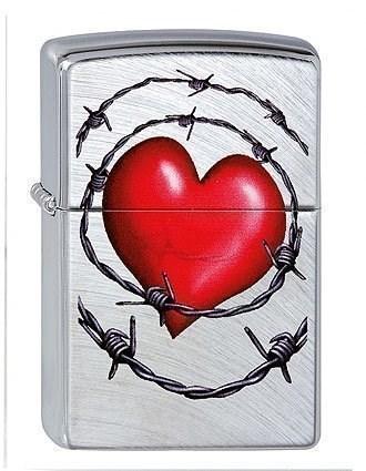 Широкая зажигалка Zippo Heart 23647 - фото 6759
