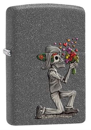 Набор из двух зажигалок ZIPPO Влюбленные зомби с покрытием Iron Stone 28987 - фото 6935